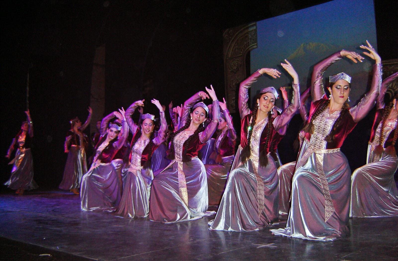 Prensa Armenia: Festival de danza armenia en la calle Corrientes ...